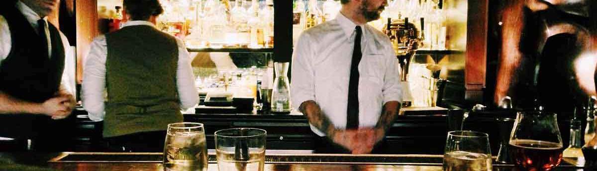 Barman Barmaid Metier Etudes Diplomes Salaire Formation Cidj