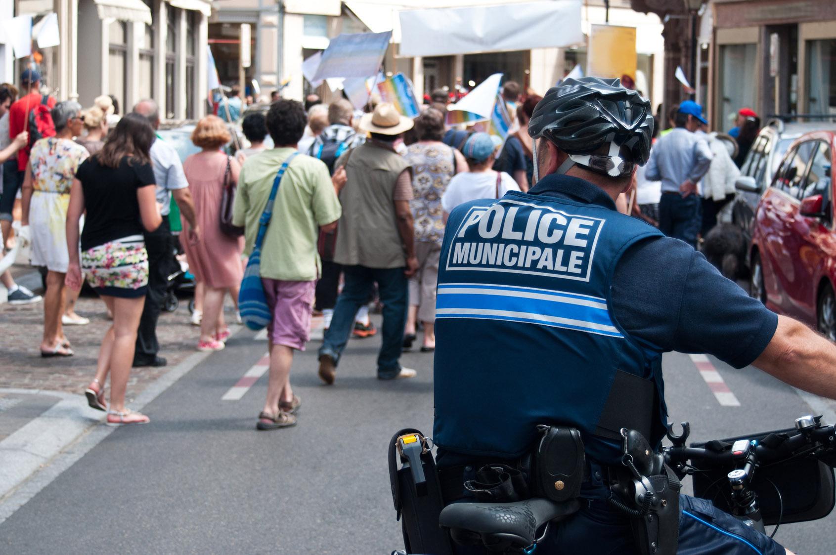 Policier municipal polici re municipale m tier tudes - Grille indiciaire salaire police municipale ...