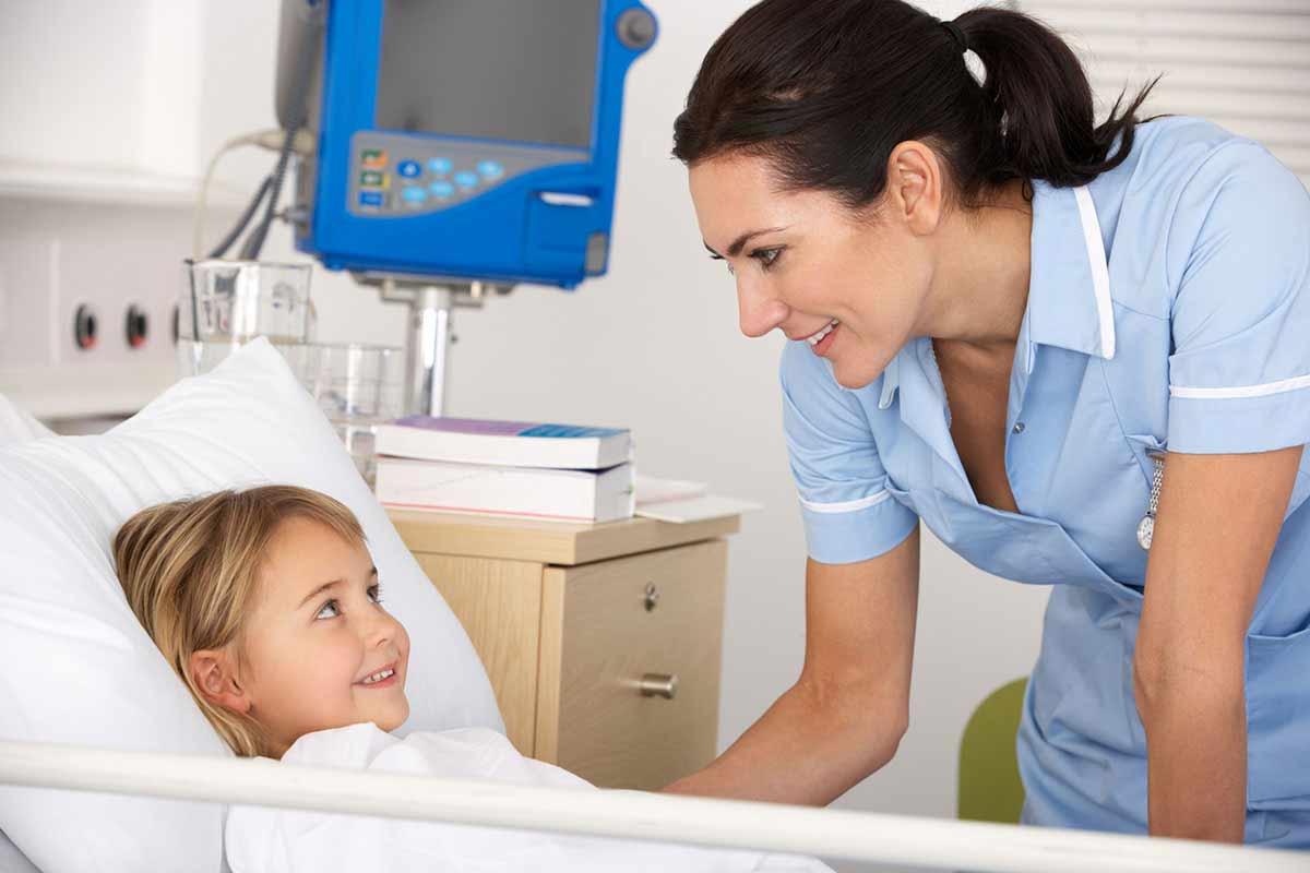 Infirmière - Infirmier : métier, études, diplômes, salaire ...