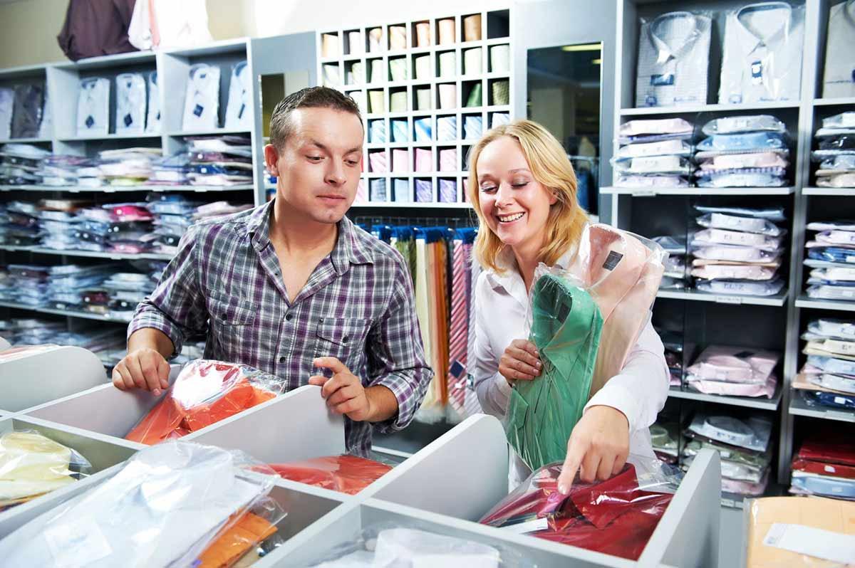 vendeuse    vendeur en magasin   m u00e9tier   u00e9tudes  dipl u00f4mes  salaire  formation