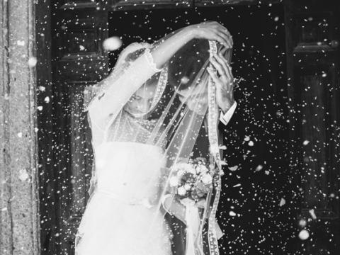 Un photographe de mariage doit faire parler de lui sur les for Statut photographe