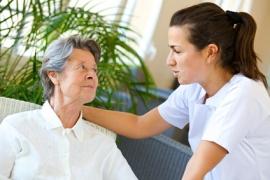 Aide-soignant : un métier de contact et d'écoute