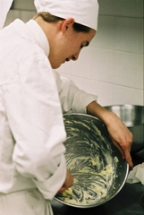 Commis de cuisine tudes m tier dipl mes salaire formation cidj com le site du cidj - Salaire commis de cuisine ...