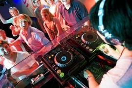 Disc-jockey / DJ