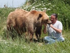 Dresser un chien, un rapace ou un ours, c'est ma passion et mon métier !