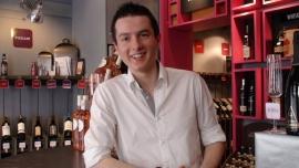 Sylvain, caviste : savoir parler du vin pour donner envie d'acheter