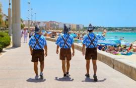 Trouver un job d'été sur la plage ou au bord d'une piscine