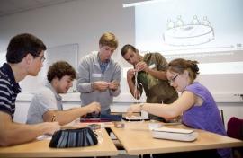 Ecole d'ingénieurs : avec une prépa classique ou prépa intégrée, comment choisir