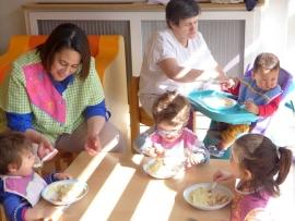 Pour l'assistante maternelle ou l'auxiliaire parentale, l'emploi est garanti dans les grandes villes