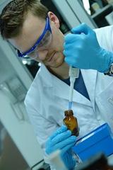 Préparateur en pharmacie / Préparatrice en pharmacie