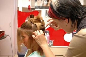 Coiffeuse coiffeur tudes dipl mes salaire formation cidj - Comment ranger sa coiffeuse ...