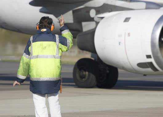 Agent Agente De Piste D Aeroport Metier Etudes Diplomes