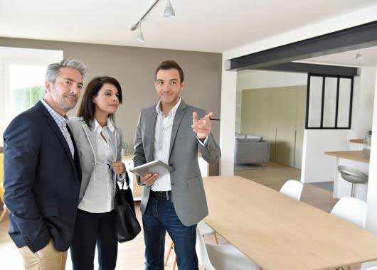 Agent Immobilier Agente Immobiliere Metier Etudes Diplomes