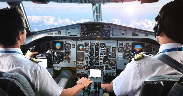 Pilote d'avion : métier, études, diplômes, salaire, formation   CIDJ